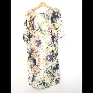 Chic Happens Kimono short sleeve floral print M